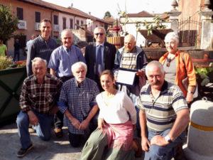 Foto di gruppo con Giuseppe Ostorero