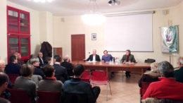 Il dibattito sul referendum a Villarbasse (foto Marco Titli)