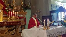 Don Gianni durante la celebrazione di San Nazario