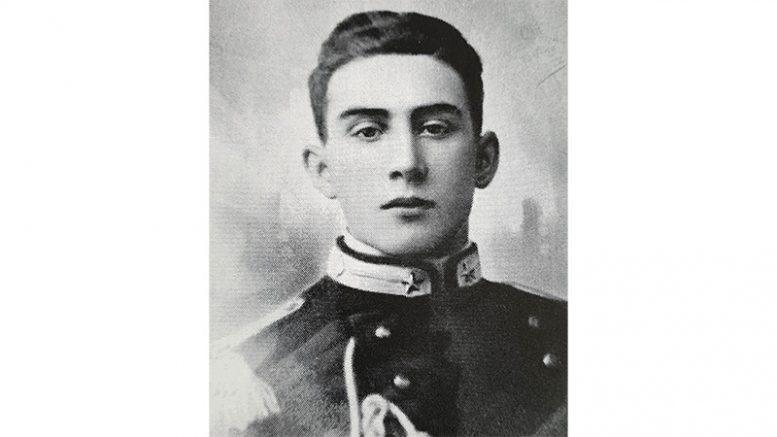 Renato Bello in divisa da carabiniere nel 1942